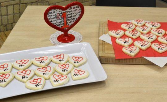 HeartLinks decorated cookies