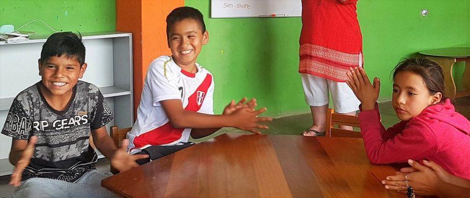 Children in a Peruvian classroom